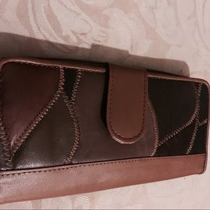 Handbags - 🌈Groovy Vintage Patchwork Leather Wallet like new